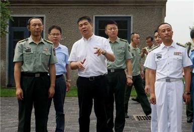 """驻威部队""""地方日""""活动第一站走进刘公岛"""