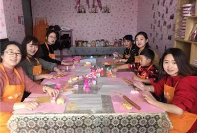 """景区女职工欢度""""国际三八妇女节"""""""